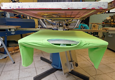 screenprinting-machine-green-shirt-400w.jpg